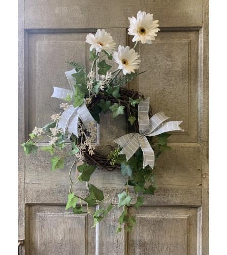 Daisy and Ivy Mini Wreath