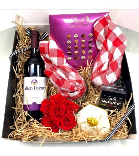 Picnic-At-Home Gift Box