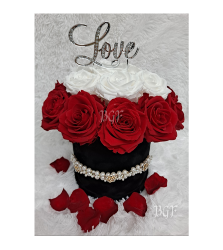 Casino Royale Love Preserved Roses Edition