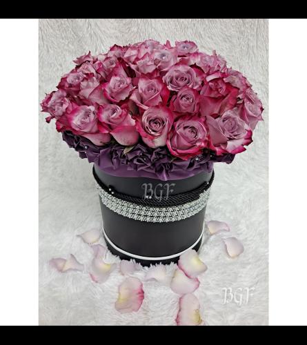 Manhattan Lavender Roses in Black Box