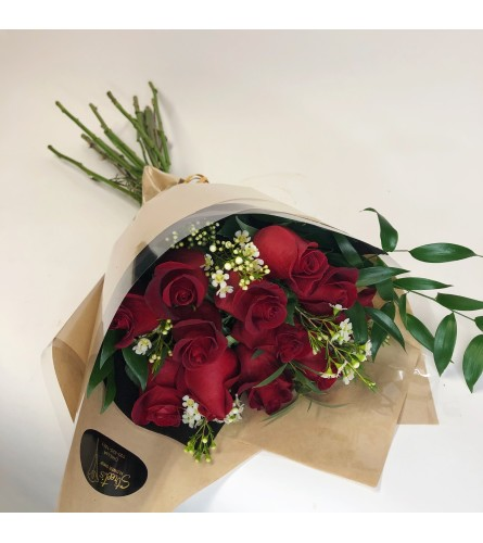 Luxurious Long-Stemmed Red Roses