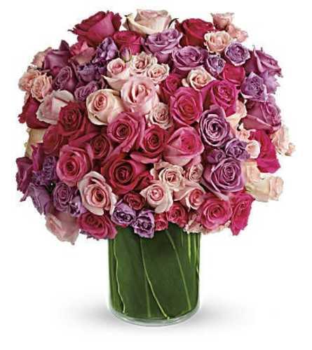 Victorian Tri-Rose Elegance