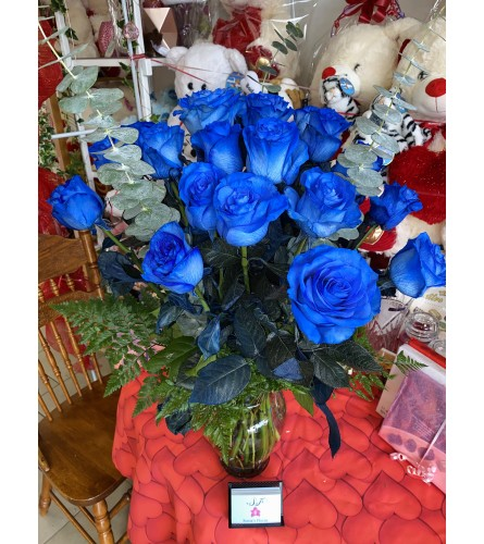 24 Impossibly Blue Roses