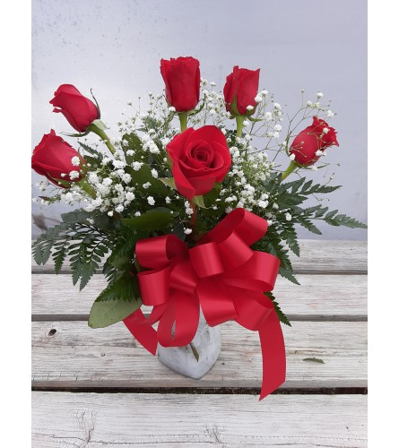6 Classic Red Roses