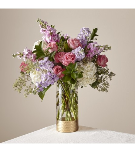 FTD's In the Garden Luxury Bouquet