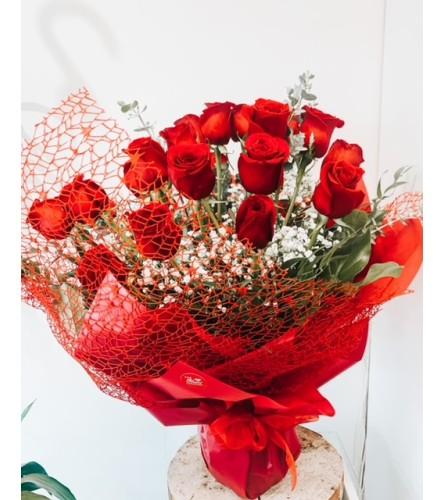 Dozen Roses Classic