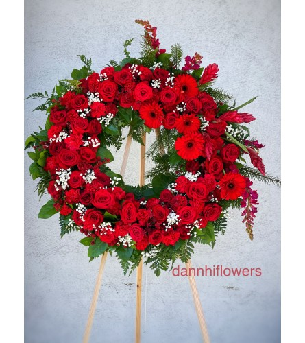 Standing Wreath all red