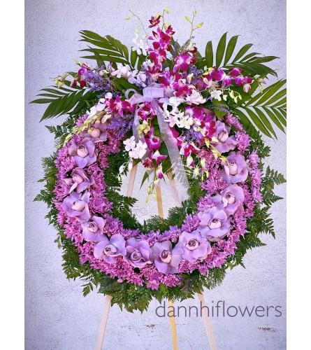 Standing wreath purple/lavender
