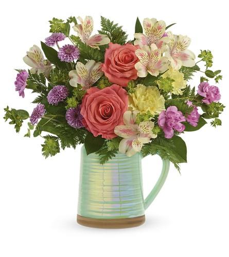 Teleflora's Pour on the Beauty bouquet
