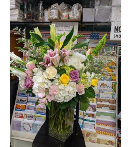 ELEGANT SPRING FLOWERS