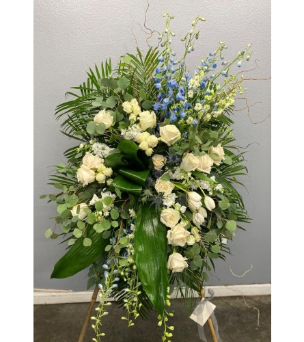 Blue & White Classic Tribute Easel Spray