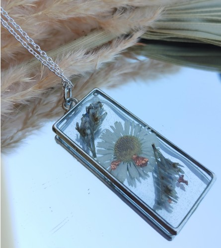 Real Dried Flower Resin Necklace - White Daisy