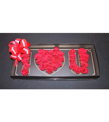RED ROSES IN LOVE BOX