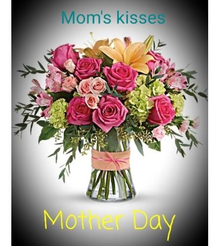 MOM'S KISSES