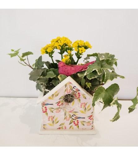 Printed birdhouse planter