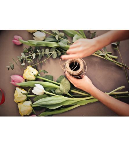 Handtied Drop-In Deluxe Bouquet