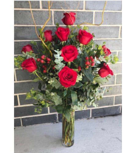 RED VALENTINE`S DAY ROSES