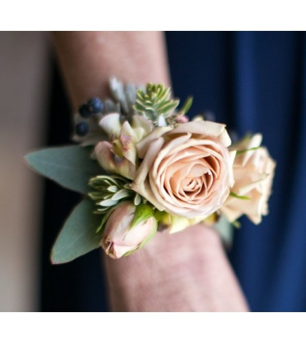 Foraged Floral Classic Corsage