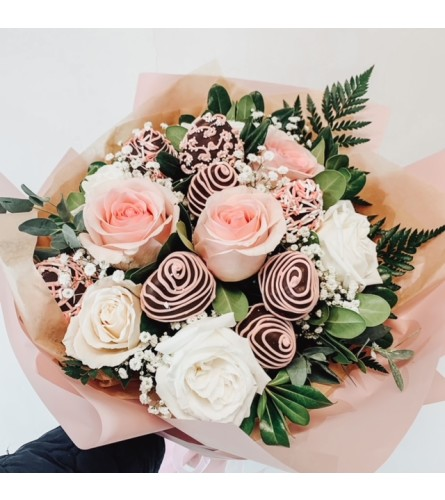 Roses & Chocolate Dipped Strawberries Bouquet (2 days lead time)