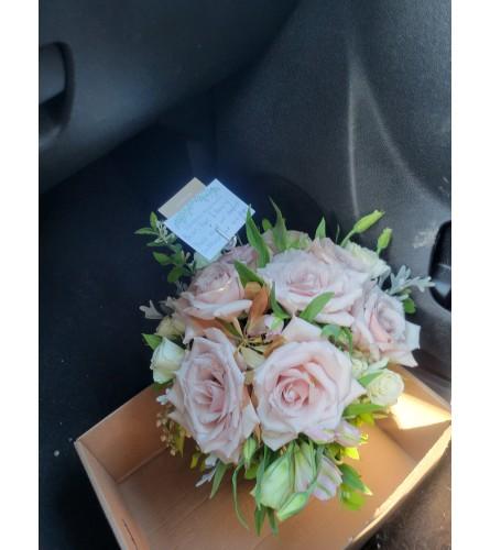 Quicksand Rose Bouquet