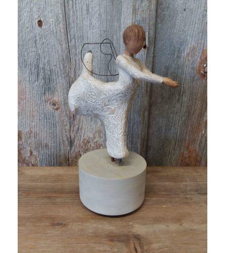 Statue - Willow Tree 'Dance of Life' (musical angel figurine)
