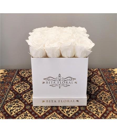 16 White Eternity Roses