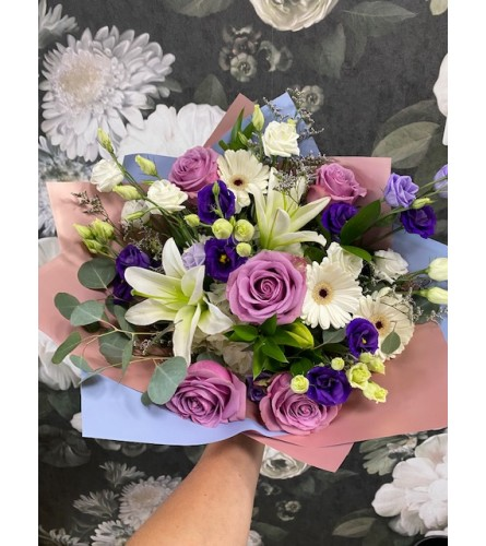 HAND TIED BOUQUET I