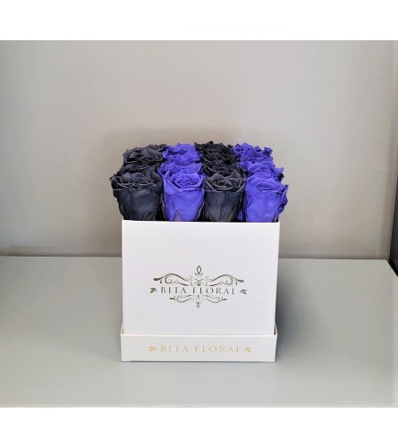16 Violet/Grey Striped Eternity Roses