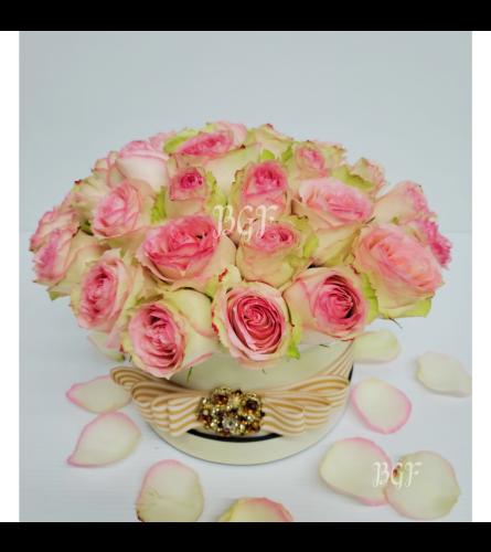 Elegant Pink Roses in Box