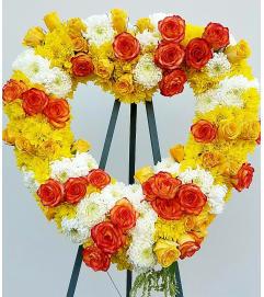 Bountiful Yellow Rose Heart