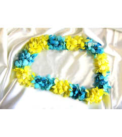 YELLOW AND BLUE LEI