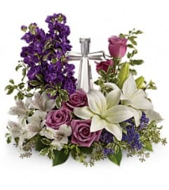 Teleflora's Grace And Majesty Bouquet - by Jennifer's Flowers