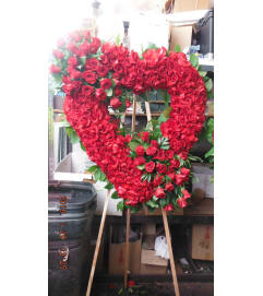 all red rose heart1