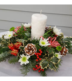 Snowflake Pillar Centerpiece