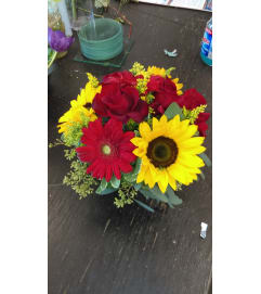 sun flowers and red gerber daisies
