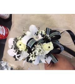white and black corsage and boutonniere 1