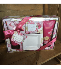 The Lotus Flower Bath Gift Set