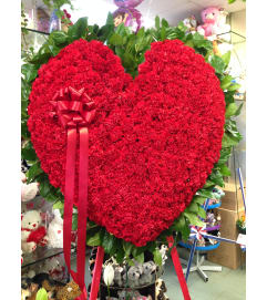 Standing Heart Red Carnations