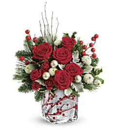 Winterberry Kisses Bouquet T18X600