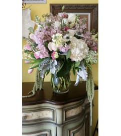 SOFT SOPHISTICATION BOUQUET