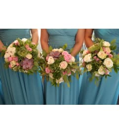 BRIDESMAID BOUQUET OF PREMIUM GARDEN FLOWERS