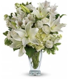 Purest Love Bouquet by Telefloras