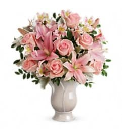Teleflora's T278-6 Soft And Tender Bouquet