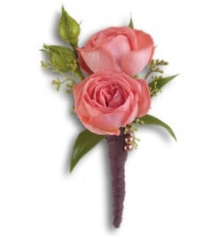 The Spray Rose Simplicity Boutonniere