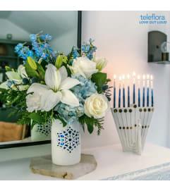 Flurry of Elegance Blue & White