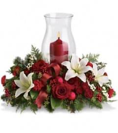 Teleflora's Holiday Glow Centerpiece
