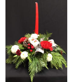 Traditional Christmas Candle Centrepiece