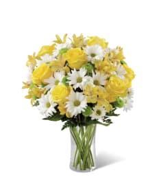 FTD's  Sunny Sentiments™ Bouquet