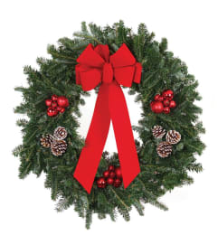 Classic Traditional Holiday Wreath
