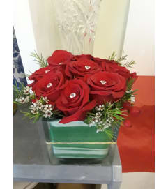 Good to be Square Red Roses